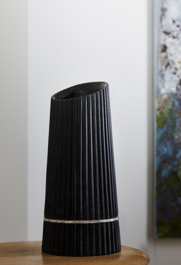 PLEAT Black Vase